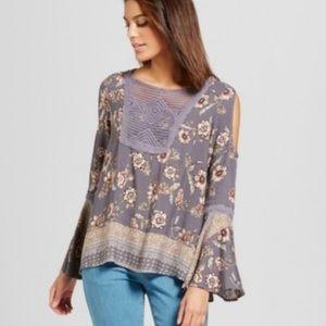 Knox Rose Tops - NWOT blue floral cold shoulder blouse